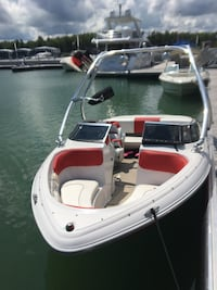 Four Winn's 180 SS Bow Rider Wake and Ski Boat Barrie