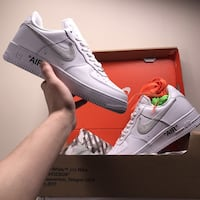 Paio di offwhite nike airforce 1 low