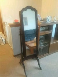 Stand up Jewlery box mirror West Islip