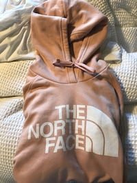 North Face Women's Half Dome Pullover Hoodie (rose colour, medium) London, N6A 1M6