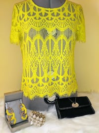 yellow laced crew-neck short-sleeved blouse Woodbridge, 22193