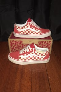 Old Skool Red/White Checkerboard Vans Markham, L3T 4Z6