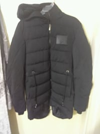black zip-up bubble jacket Sterling Heights, 48310