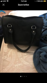 black leather 2-way handbag Hyattsville, 20783