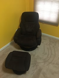 Brown Suede Recliner with matching ottoman 286 mi