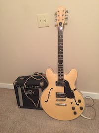 Delta king guitar and peavey amp
