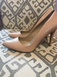 Saks Fifth Avenue Heels Cambridge, N1R 5H2