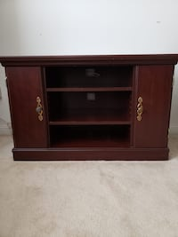Wooden TV Stand Mississauga, L5N 8H6