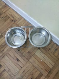 two stainless steel cooking pots Toronto, M5T 2P4