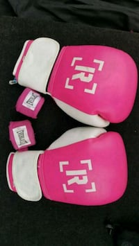 pair of pink-and-white Everlast boxing gloves Calgary, T3R 1J1