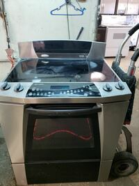 GE stainless steel electric stove  San Antonio, 78201