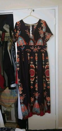 black and red floral long sleeve dress Toronto, M4A 1W3