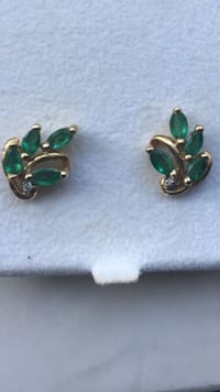 Pair of green gemstone stud earrings Doral, 33178