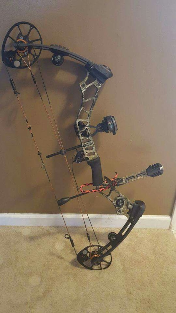 Used Mathews Mission Blaze Compound Bow for sale in Goshen - letgo 8dcf9f9f6
