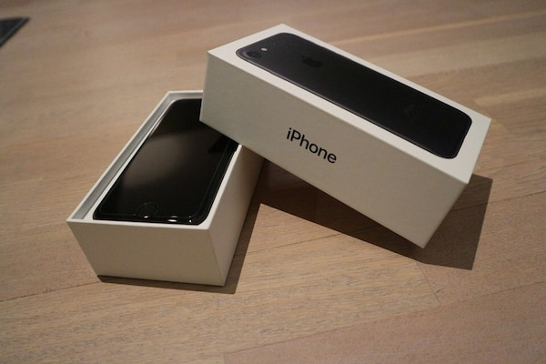 Svart iphone 7 med boks 32gb