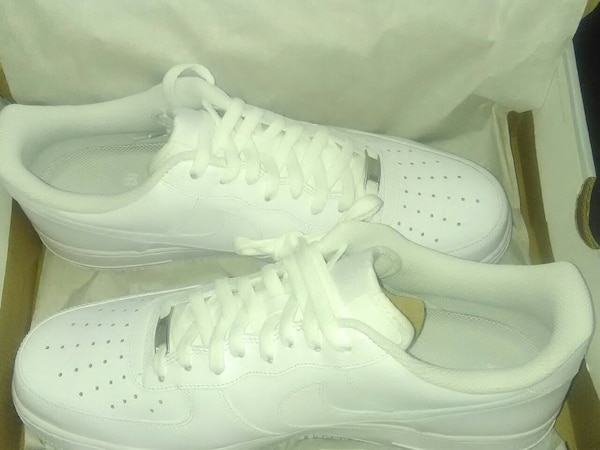 0512f5edac Used pair of white Nike Air Force 1 low shoes for sale in Memphis - letgo