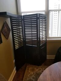 Elegant wooden 6' room divider screen w/ adjustable louvers
