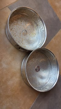 Two matching pampered chef cake pans Alexandria, 22315