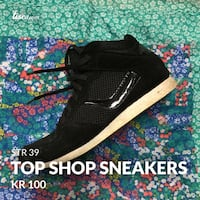 Black high-top sneakers from Top Shop Oslo, 0457