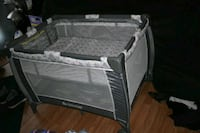 baby's gray and white travel cot Sutton, 26601