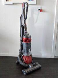Dyson DC25 Ball Vacuum Cleaner Upright sweeper - All floors, works Los Angeles, 90012