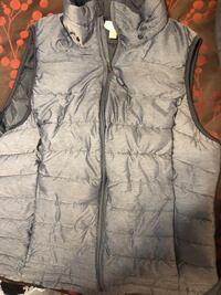 gray and black zip-up vest Tacoma, 98418