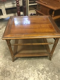 end table Montgomery, 77316