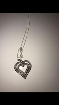 Silver chain necklace with heart pendant New Tecumseth, L9R