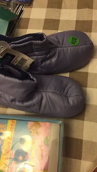 Baby gap size 9 boots  Vaughan, L4J 5N6