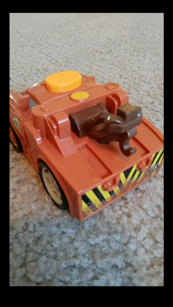 LIKE NEW ™Fisher-Price Disney/Pixar talk Tow Mater 9ae8f27f-a65a-435e-a5cb-30a8f22effab