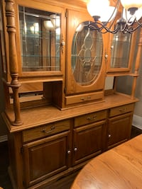 Beautiful Oak Dining table and China cabinet.    Port Moody, V3H 3N3