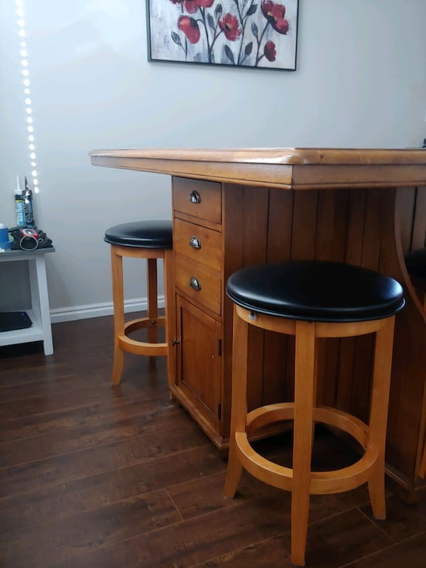 Kitchen or dining room table must sell by Sept 8 6123a6b9-6730-4d06-8561-08b68503c09b