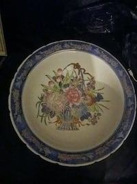 round white and blue floral ceramic plate London, N5Y 3J4