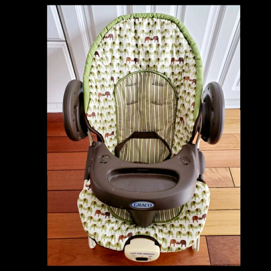 Graco Vibrating Baby Chair with straps and Tray