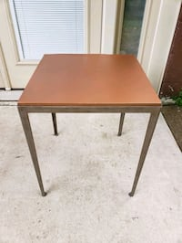 Table / Side table / Accent table