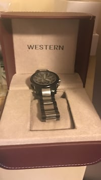 round black Western chronograph watch with link bracelet and box Windsor, N9C 2N4