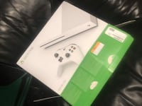 Xbox One S Mint condition with games 10/10 Victoria, V8X 2C1
