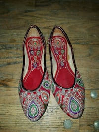 pair of red and black leather flats Guelph, N1G 1S8