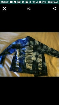 blue and white denim jacket Bakersfield, 93308