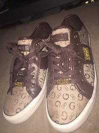 Brown-and-black monogram coach low top sneakers Hamilton, L8L 2S8