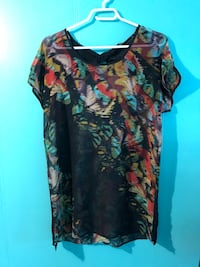 Like New- Ladies Medium Reitman's Dressy Shirt $3