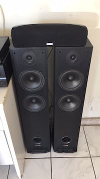 Polkaudio tower speaker and a center channel Las Vegas, 89117