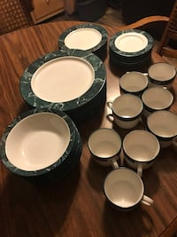 36 piece dish set ( pick up only )