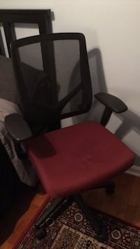 red and black rolling armchair Woodbridge, 22192