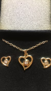 gold chain link necklace with heart pendant Montross, 22520