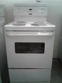 "24"" FRIGIDAIRE WHITE STOVE  تورونتو"