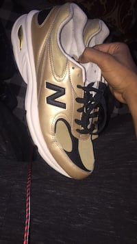 gold new balances 10.5 Hyattsville, 20782