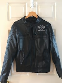 black leather zip-up jacket Chantilly, 20152
