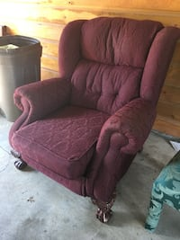 Red Recliner Chair - Gently Used Brandon, 39047