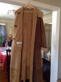 Camel brown full length designer shearling coat. Excellent condition, gently used.  Jil Sander women's size 12  New York, 11412